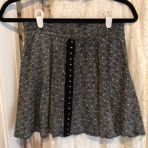 Happening in the present - skirt
